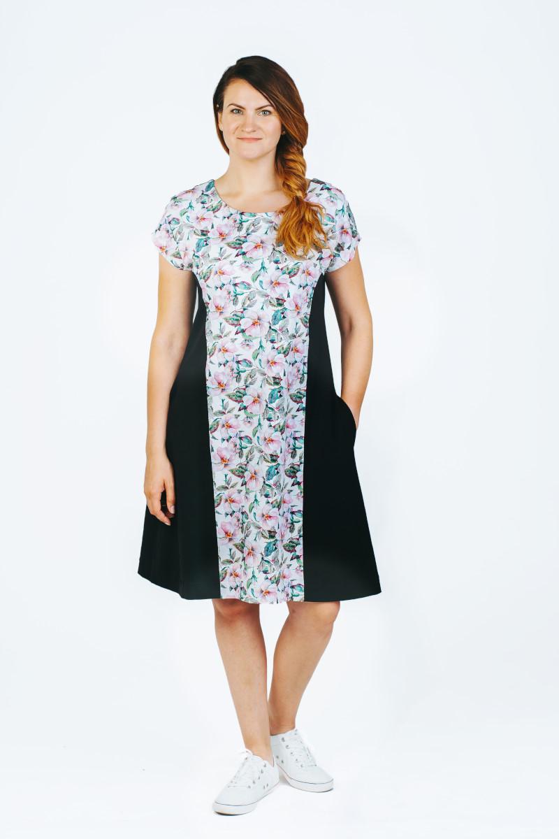 Gėlėta vasarinė suknelė su dirželiu ir kišenėmis