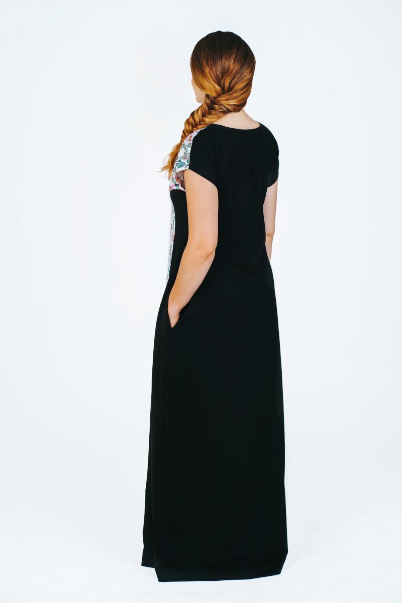 Trikotažinė ilga suknelė patogi