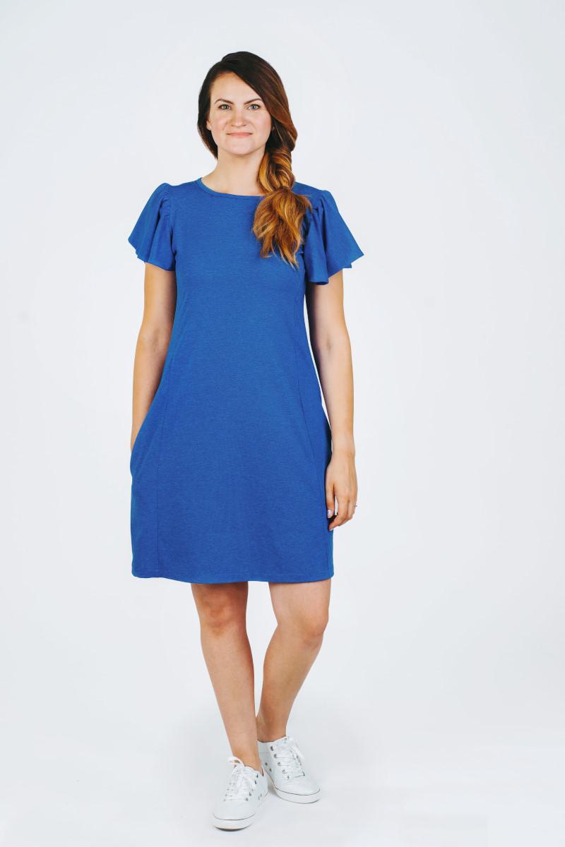 Mėlyna trumpa vasarinė suknelė rauktomis rankovėmis