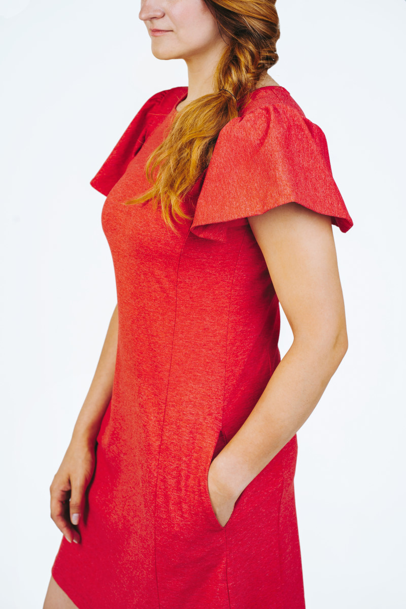 Raudona suknelė su kišenėmis drugelis