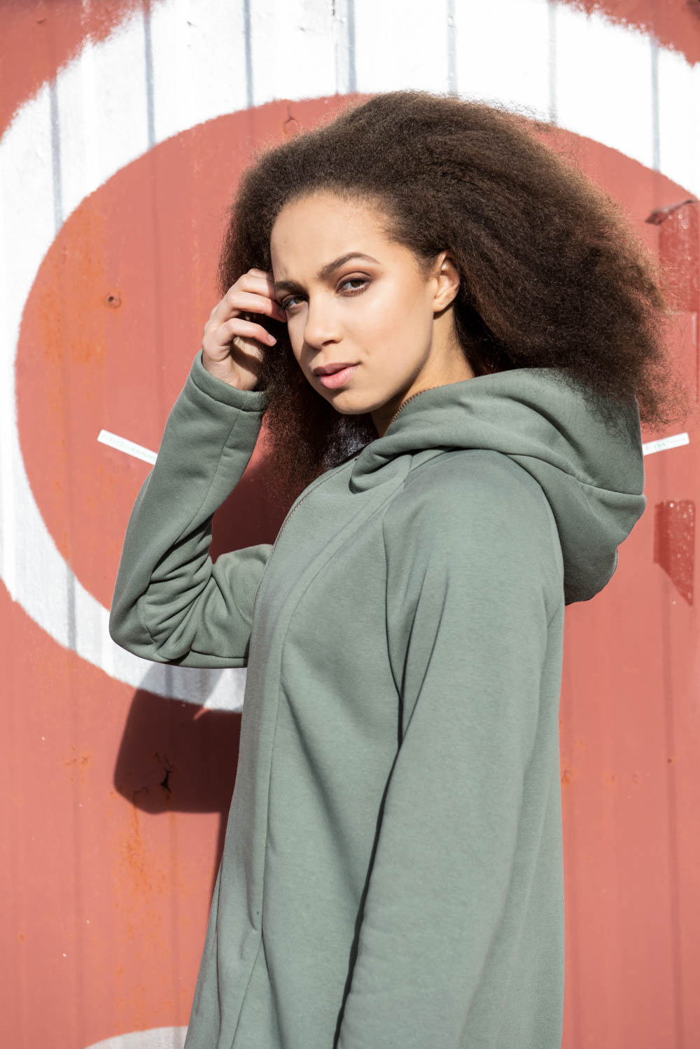 Unisex loose casual hoodie with zipper and pockets – Olive green 'SEA'