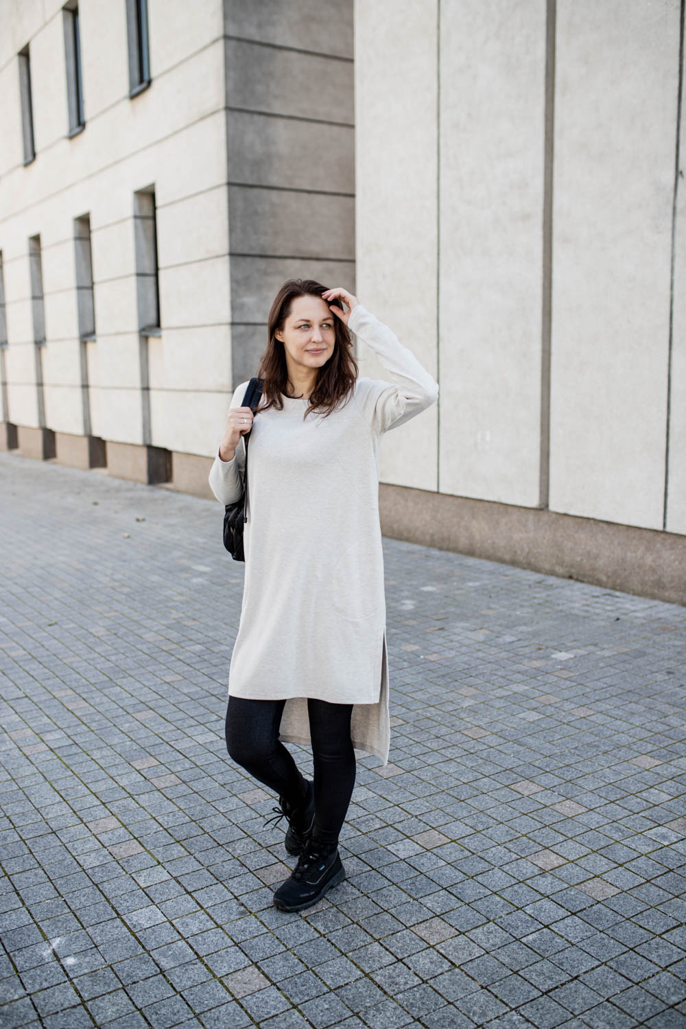Asymmetric tunic with pockets