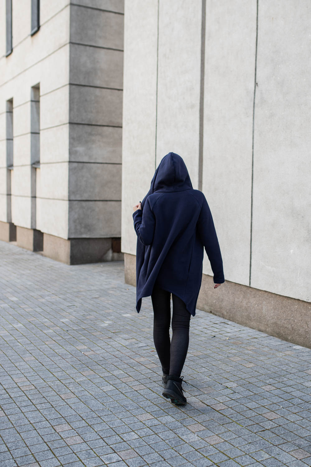 Dark blue Zip up jumper with hood and side pockets 'WIND'